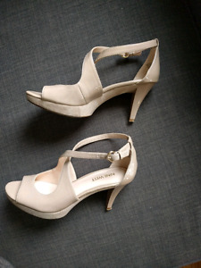 Ladies Nine West sandals