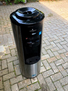 Water cooler with hot and cold water dispensers - Like New!