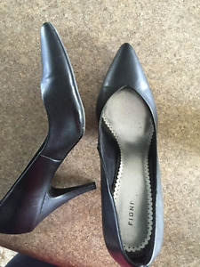 Black shoes size 10 and 11
