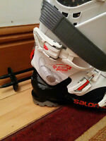 Women Pair of ski and Shoes (Salomon) Like new