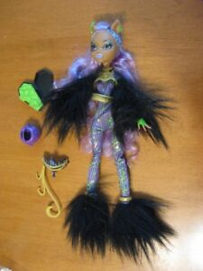 MONSTER HIGH DOLLS CLAWDEEN WOLF WEREWOLF
