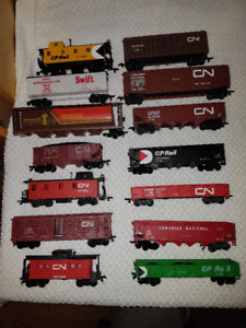 Model Train Cars - Rolling Stock - HO Scale