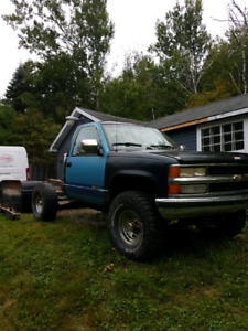 *** Parting out *** 94 chev shorty ***