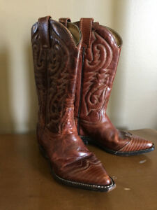 Youth western boots, size 4