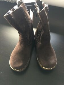 Girls Size 8 brown suede riding boots  Kitchener / Waterloo Kitchener Area image 1