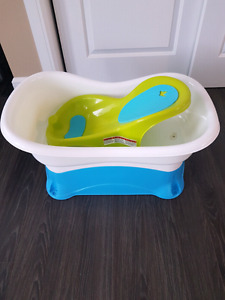 Summer Infant 4 in 1 right height bathtub