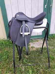 Synthetic Dressage Saddle Package Kingston Kingston Area image 1