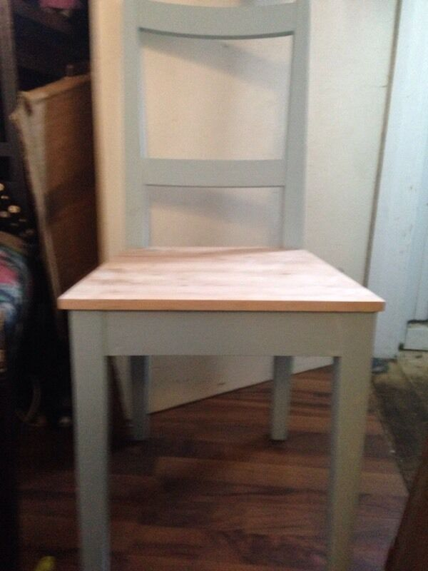 Solid wood table and 4 chairs shabby chic