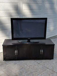 "Samsung 42"" Plasma TV with Console"