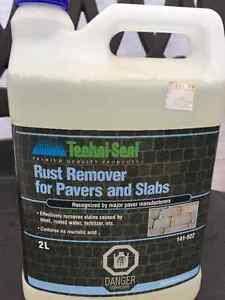 Rust remover for pavers and slabs