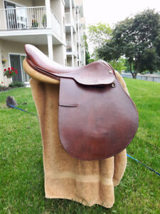 """Horse Tack: 17"""" Brown Collegiate Close Contact Saddle For Sale!"""