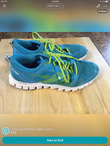REEBOK REALFLEX RUNNERS ( ladies size 8 ) Kingston Kingston Area image 1