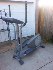Sportcraft 600  elliptical trainer  Sarnia Sarnia Area image 2