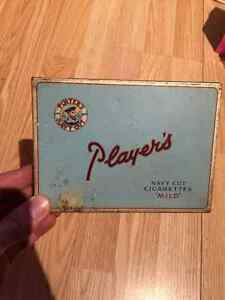 Paquet antique en metal John players !
