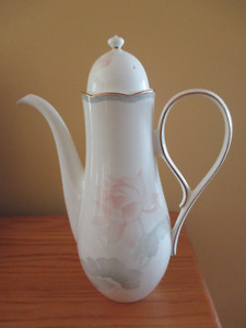 Noritake Garden Empress Coffee Pot