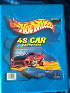Hot Wheels Carrying Case and Toy Cars