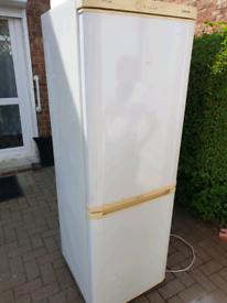 6ft Samsung fridge freezer can deliver