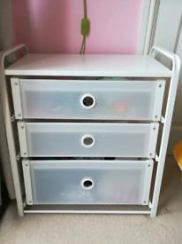 Chest of three drawers (ikea)