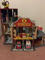 Kidkkraft deluxe fire station