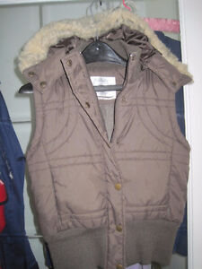 Urban Behavior Winter Hooded Ladies Puff Vest - Size Small