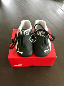 Baby PUMA sneakers size 4 - perfect condition