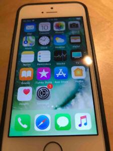 iPhone 5s 32GB, Gold - Unlocked/Déverrouillé