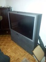 Free Tv a donner Tv en bonne condition.