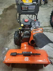"Like BRAND NEW Husqvarna 1650exl 30"" snowblower."