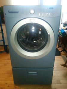 Frigidaire front load washer on pedastel delivery available