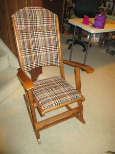 FOLDING ROCKING CHAIR - ADULT SIZE