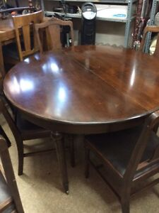 Antique mahogany Dining table with 5 chairs