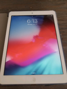 Ipad air 2 16gb 250$ like new!! With new case!