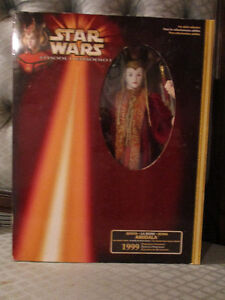Star Wars 1999 Senate Gown Queen Amidala NRFB Kitchener / Waterloo Kitchener Area image 1