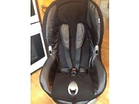 Maxi Cosi car seat. Reclines, Suitable for child 9mth to 4yrs Good clean condition