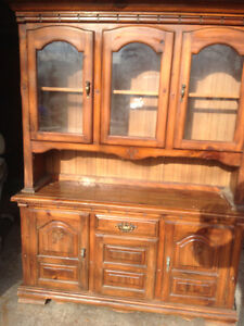 Solid Pine Hutch in excellent condition London Ontario image 1
