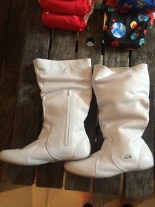 Lacoste white slouch boots Kingston Kingston Area image 3