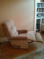 Lazyboy Recliner - $80 OBO - coming from pet/smoke free home