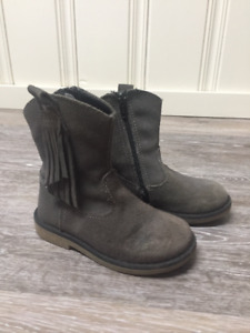 Boogie Browns booties - size 25 (8.5)