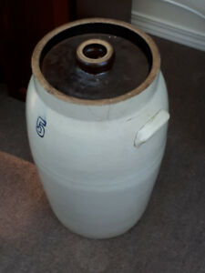Stone jug (butter churn) with lid