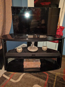 Beautiful mint condition 3 tiered TV stand