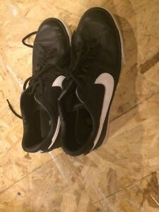 Men's nikes size 9 Peterborough Peterborough Area image 2
