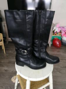 Henri-Pierre black leather boots