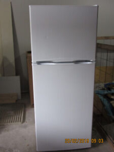 WHITE APARTMENT SIZE REFRIGERATOR BY INSIGNIA FOR SALE