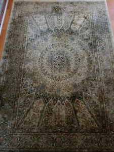 """Area Rug 7'5""""x5'2"""" For Sale"""