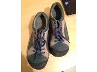 Hardly worn Keen trainer type shoes size 7
