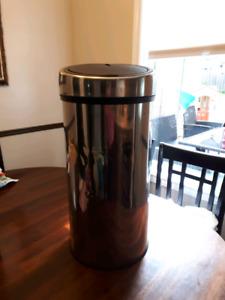 Metal diaper pail / garbage can