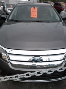 2012 Ford Fusion SEL. (FINANCING AVAILABLE )