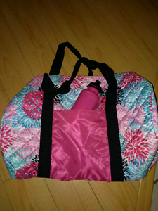 Girls gymbag and water bottle