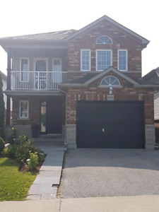 For rent- beautiful 3 bedroom home detached north Oshawa!