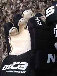 Kids hockey equipment.  Ages 7 and under  London Ontario image 3